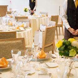 結婚式場の配膳